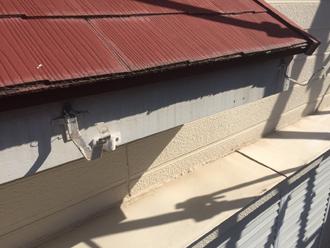 町田市南大谷 古い雨樋を撤去