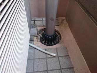 上の階の排水口