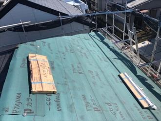 ロアーニⅡで屋根カバー工法