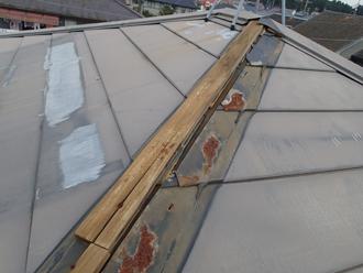 立川市 屋根の棟板金がなくなっている