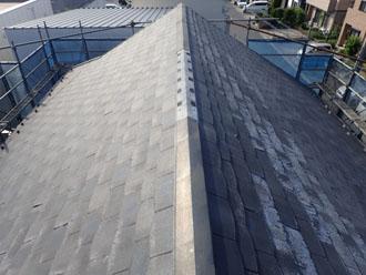 施工前のスレート屋根、屋根材はパミール