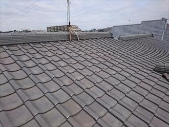 重い瓦屋根から軽い屋根へ葺き替えます