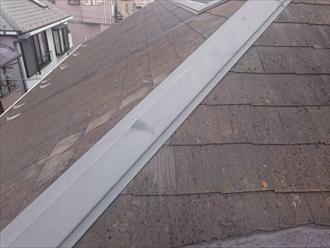 雨漏りしているスレート屋根は葺き替えます
