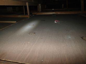 屋根内雨漏り点検