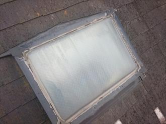 国立市青柳で屋根葺き替え、同時に雨漏りしているトップライト(天窓)も撤去します