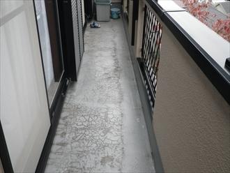 防水のヒビ割れは雨漏りに繋がります