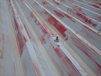 国立市谷保でアパートの折板屋根に遮熱塗料での屋根塗装をおこないます