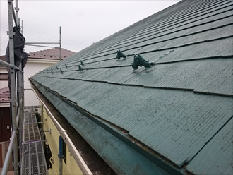塗装してから滑りやすくなったスレート屋根