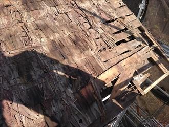 屋根材を剥がした下地の状態です