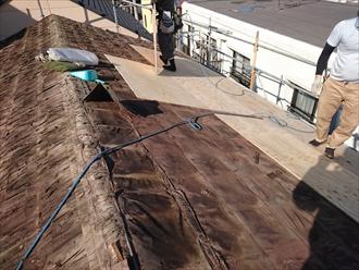 コンパネが新しい屋根材の下地になります