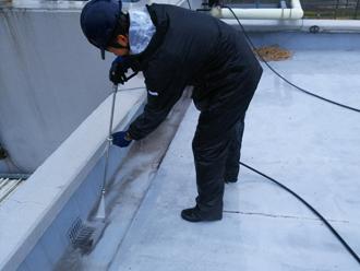 狛江市和泉本町 ビルの屋上防水 高圧洗浄