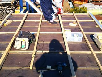 昭島市緑町で行った工場倉庫(コンテナ)の屋根カバー工法