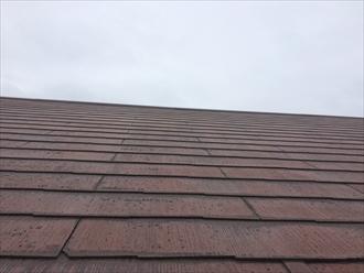1度塗装したスレート屋根