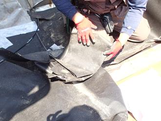 八王子市川町 工場の屋根葺き替え工事 防水紙設置