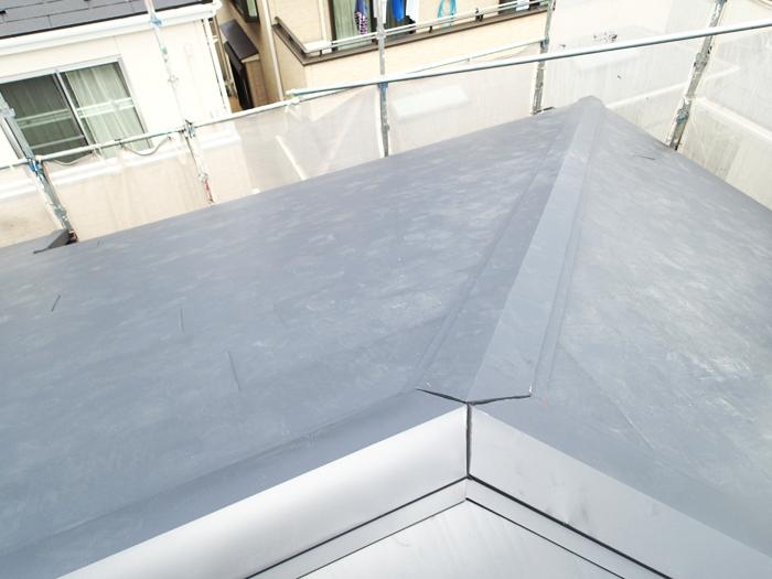 日野市日野台で横暖ルーフきわみを使ったスレートから金属屋根への屋根葺き替え工事