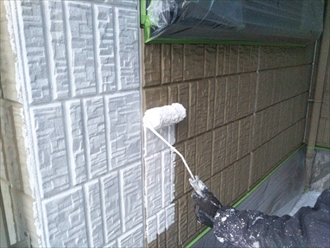 外壁の下塗り工事