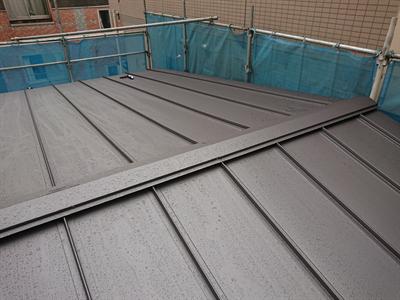 スタンビーでの屋根カバー工法
