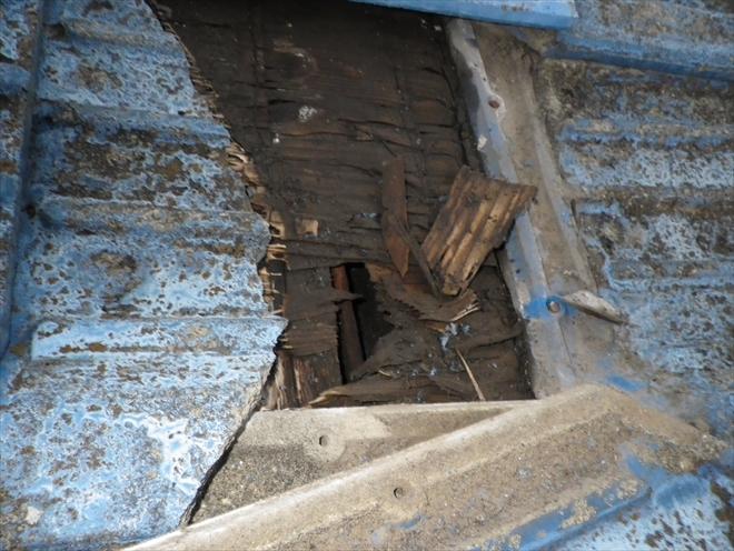 腐食している下地が雨漏りの原因