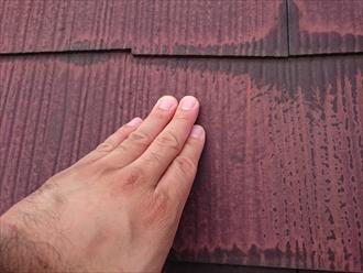 古い塗膜は劣化してズルズルになっています