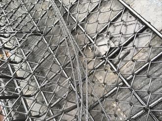 大型雪止めはネットに雪を引っ掛ける作りです