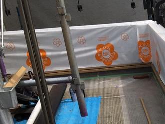 府中市矢崎町で傷んだバルコニーの腰壁を張り替えを実施しました