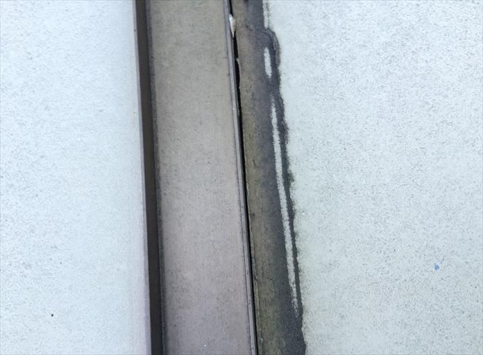 武蔵野市関前の住宅で玄関庇から雨漏り、庇も街の屋根やさんにお任せ下さい