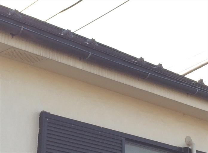武蔵野市御殿山で調査した雨樋の歪みは雪によるものでした