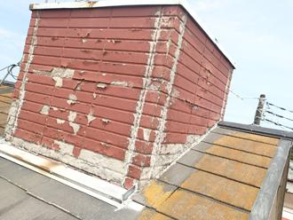 三鷹市下連雀 雨漏りしている屋根(煙突)の状態