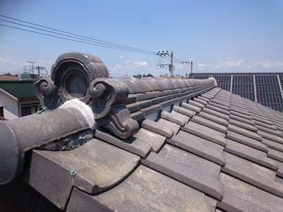 漆喰詰め直し後の瓦屋根