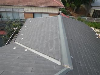 屋根にはスレートが葺いてあります