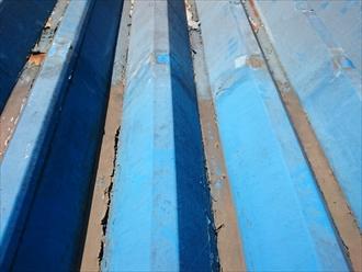 折板屋根は塗装をしないとサビが出てしまいます