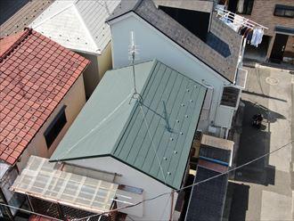 葺き替え後のスーパーガルテクトの屋根