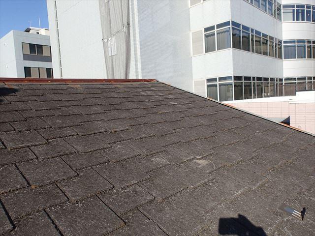 板橋区中丸町で飛び込み業者から棟板金の浮きを指摘されたお客様の屋根調査に伺いました