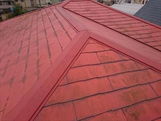 過去に塗装工事をおこなった跡があるスレート屋根