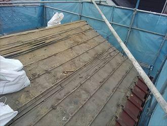 瓦をはがした瓦屋根