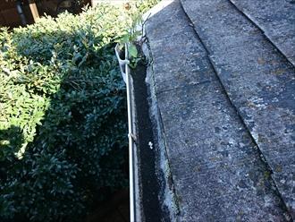 中野区南台で一度もメンテナンスをしたことのないアパートの屋根を葺き替えます