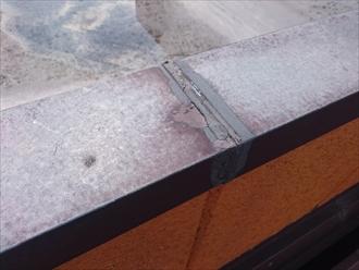 笠木のジョイントも雨水が入りこむ部分です