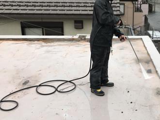 狛江市東野川 陸屋根の防水工事 高圧洗浄