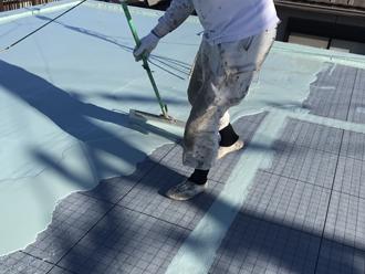 狛江市東野川 陸屋根の防水工事 ウレタン防水材