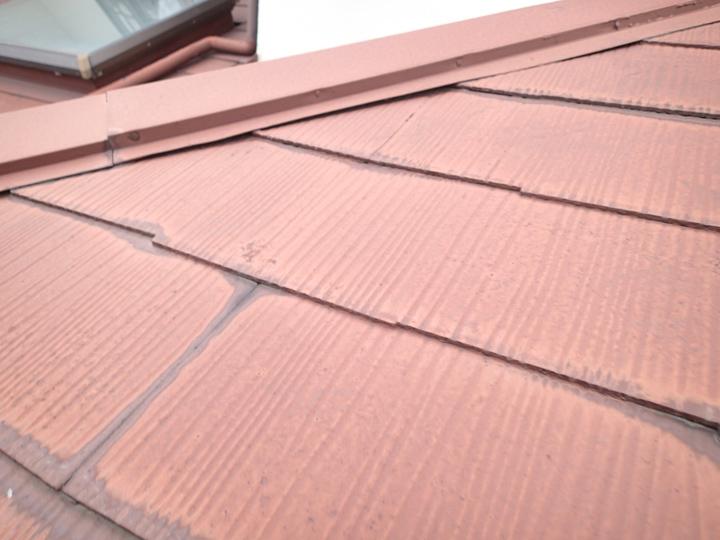 縁切り不足のスレート屋根