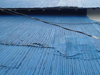 昭島市武蔵野 波板トタンの屋根