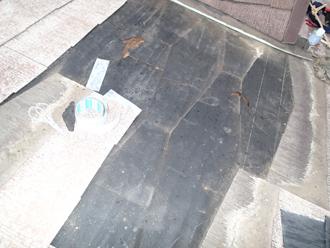 剥がされた屋根材