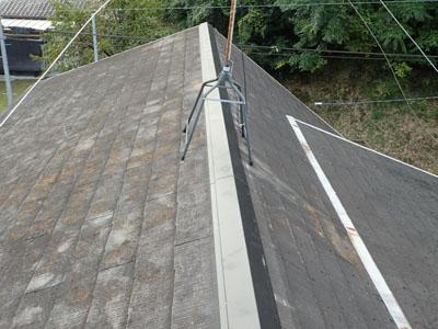棟板金を新しく交換した屋根