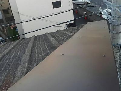 ガルバリウム鋼板でカバーした屋根