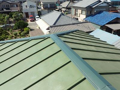 棟板金が新しくなった瓦棒屋根