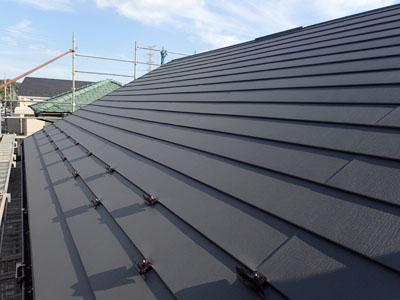 パミールをスーパーガルテクトで屋根カバー工事