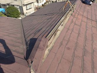 台風で剥がされた棟板金
