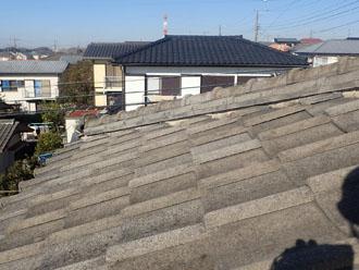 漆喰がボロボロのセメント瓦屋根