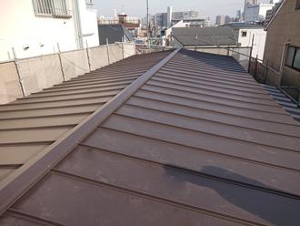 古い部分の屋根カバー完了
