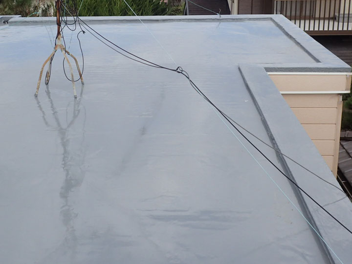 通気緩衝工法によるウレタン塗膜防水、完工